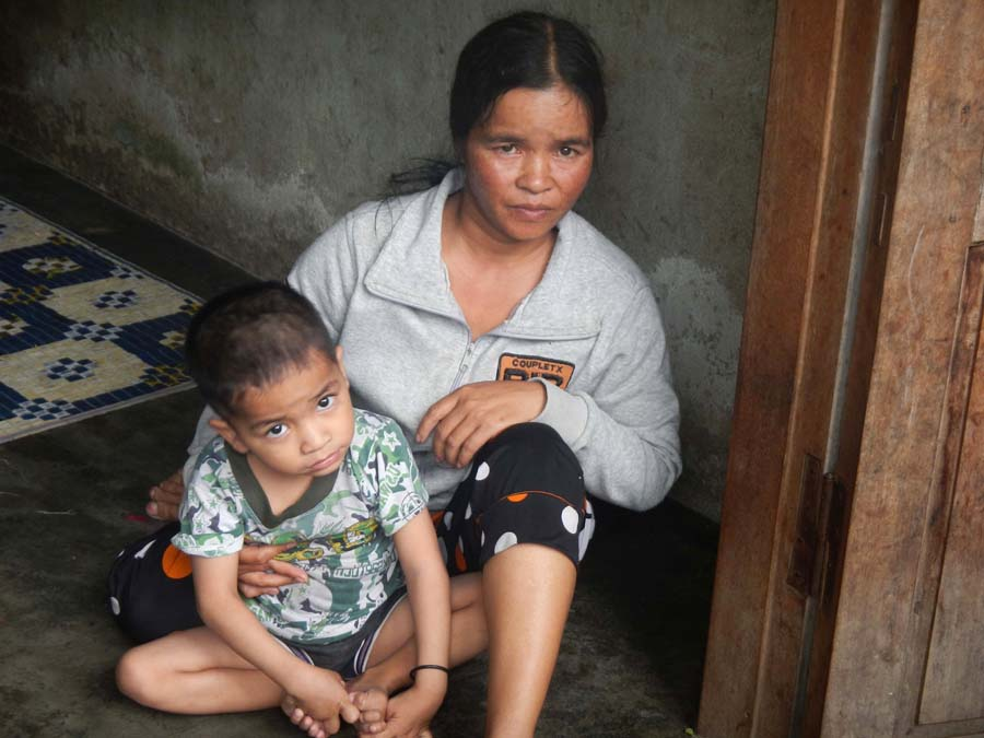 During his recent trip to Vietnam, David Hartsough met mothers and children suffering from the effects of Agent Orange.