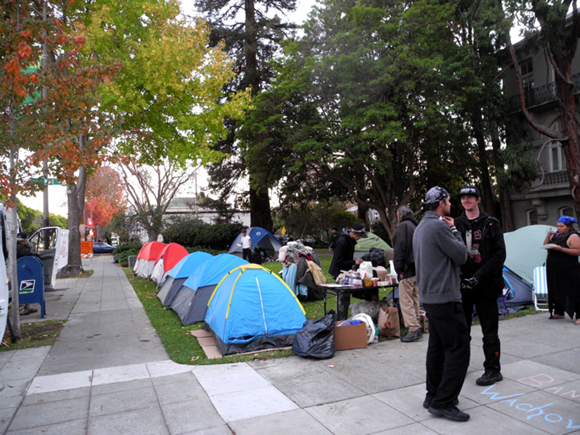 A sleep-out began at City Hall on November 16 in protest of Berkeley's anti-homeless laws, and then it grew into a longer term occupation. Carol Denney photo
