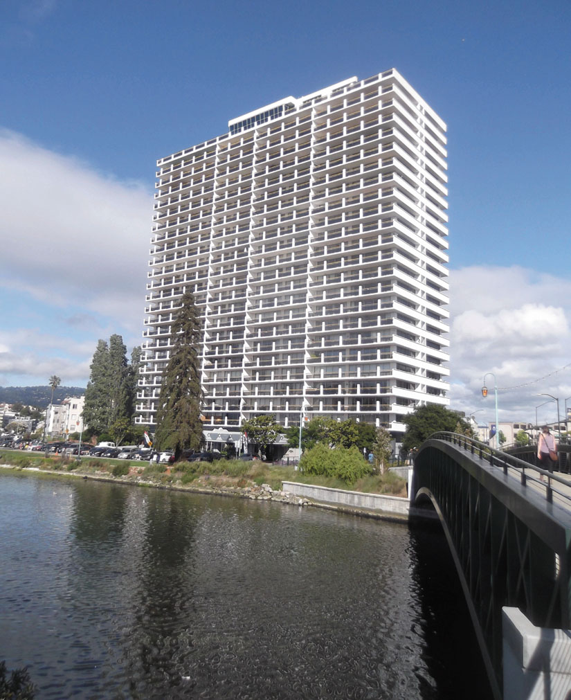 Occupants of this luxurious high-rise near Lake Merritt pressured Oakland officials to drive homeless people out of an encampment. Photo by Kheven LaGrone